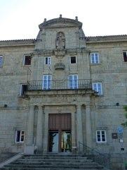 Portada-monasterio-san-vicente-pino