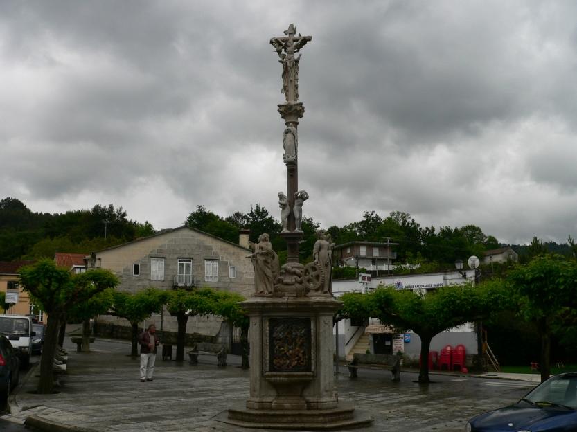Cruceiro_en_Covelo_-_panoramio_(1)