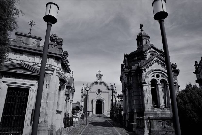Entrada-cementerio-de-La-Carriona-Avilés