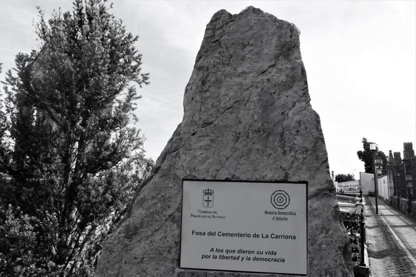 Fosa-del-cementerio-de-La-Carriona