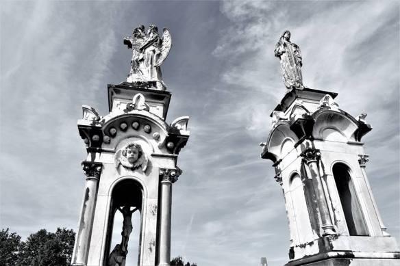 Mausoleos-del-cementerio-de-La-Carriona